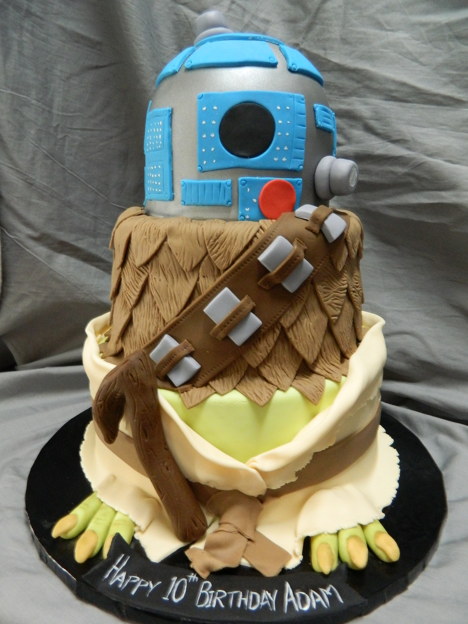 Star Wars characters themed custom cake