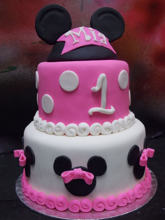 Minnie Mouse themed custom cake