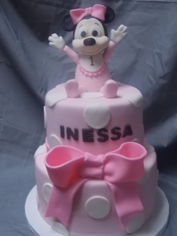 Baby Minnie custom cake