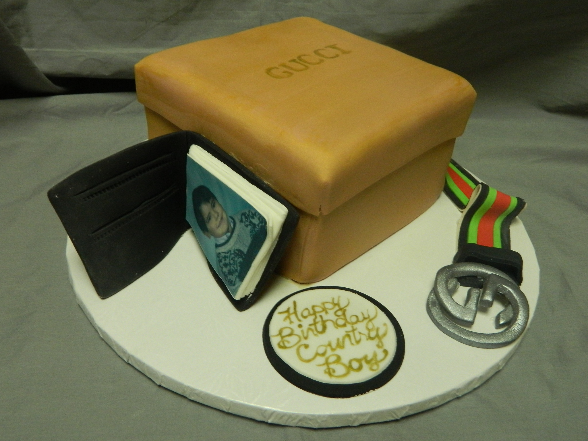 Men's Gucci themed custom cake
