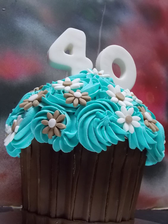 Custom Jumbo cupcake (will serve up to 12 people)