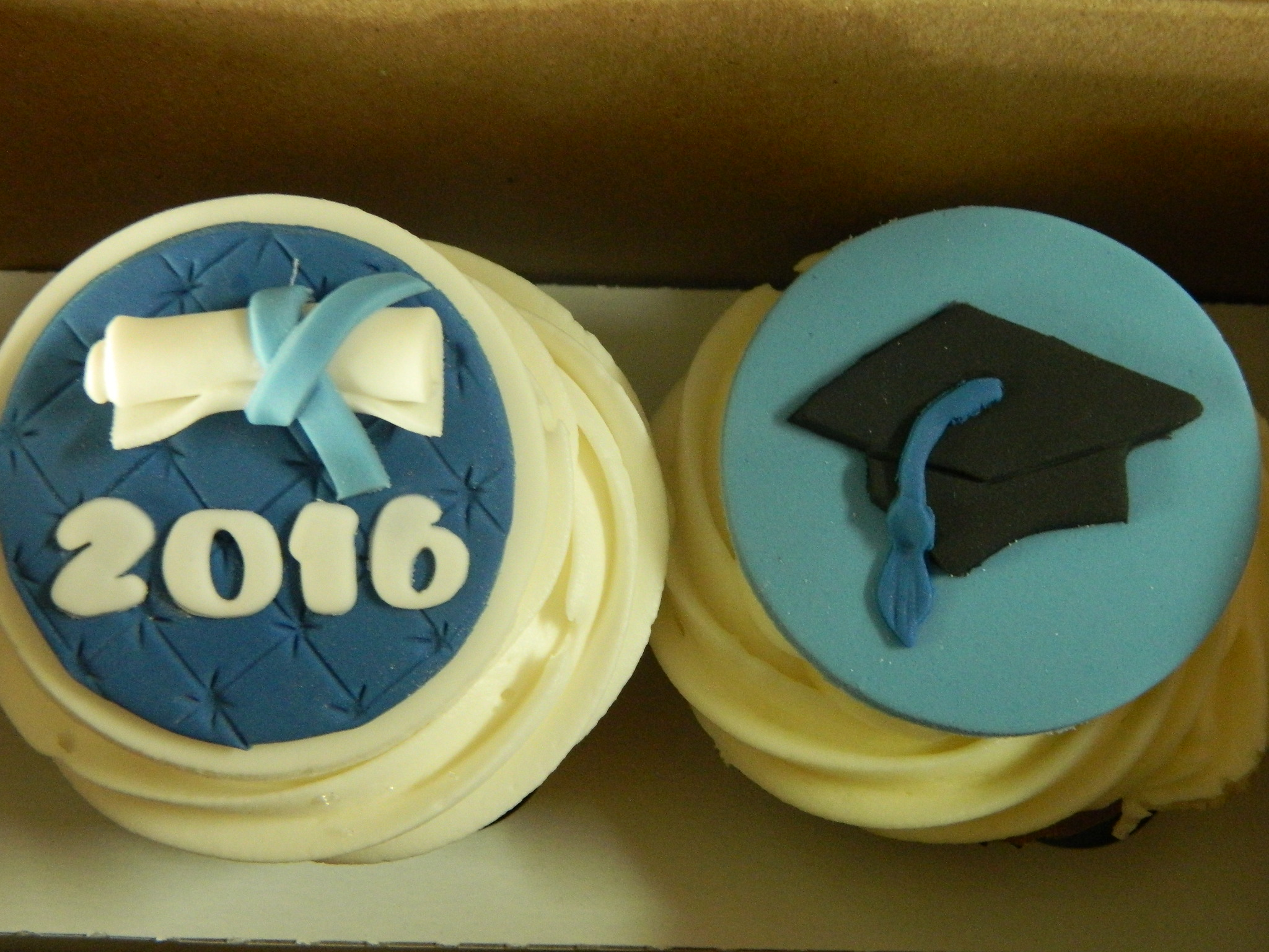 Graduation themed custom cupcakes