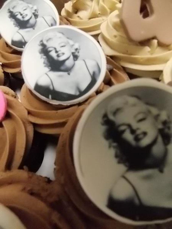 Marilyn Themed Cupcakes