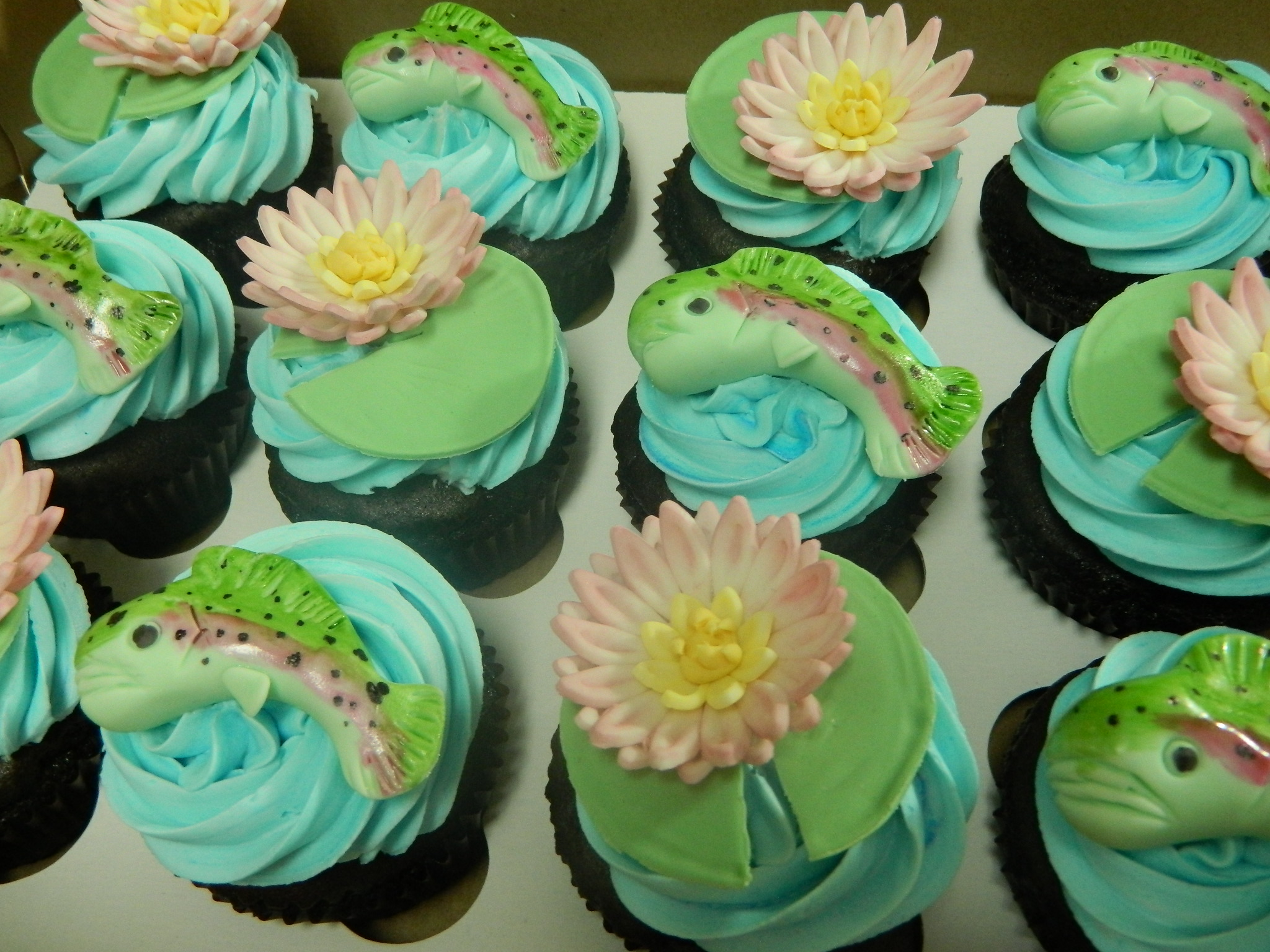 Outdoors/Nature themed custom cupcakes